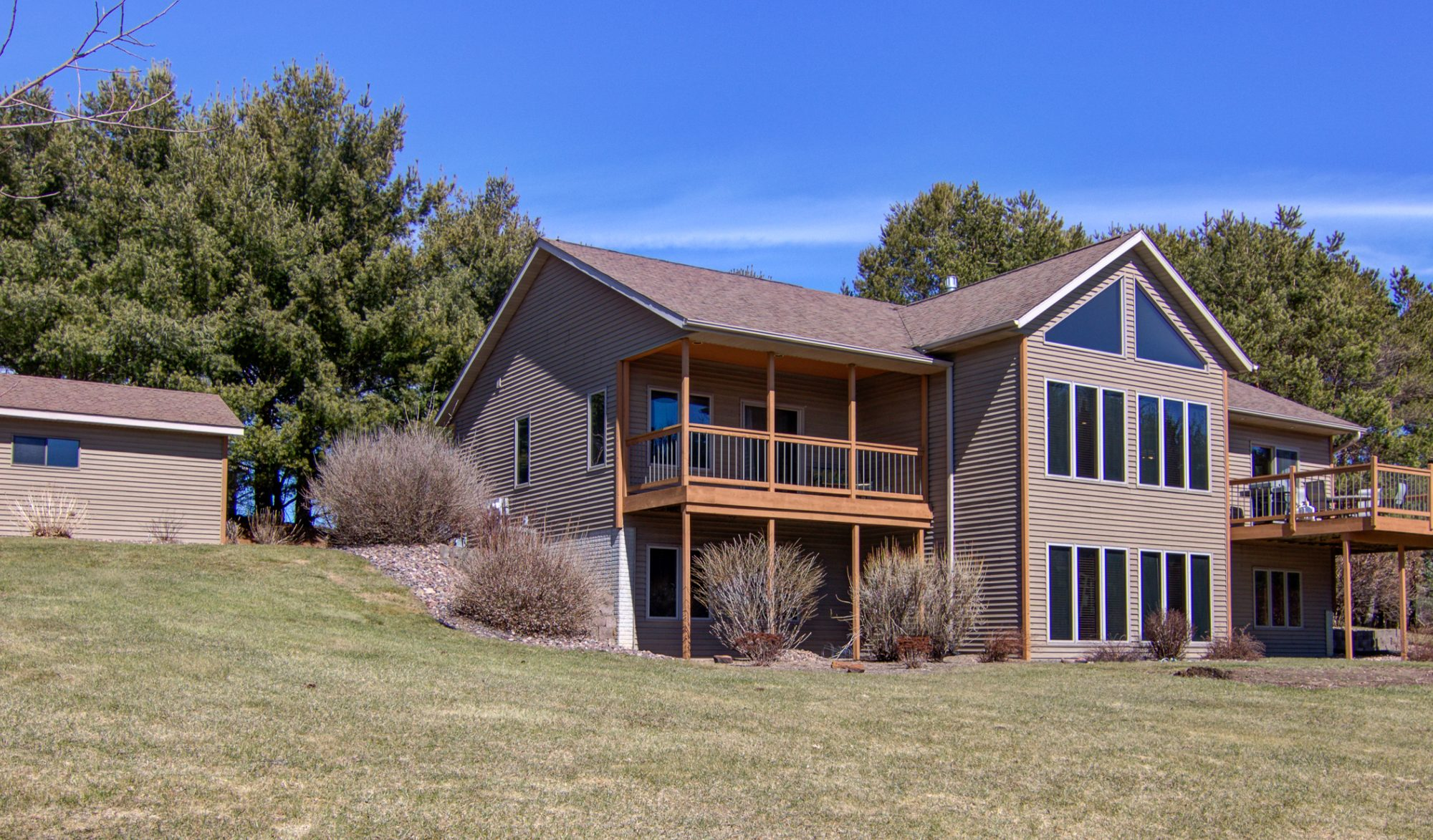 Blog gorgeous house on 15 acres 10 minutes from of eau claire check out this gorgeous house at s8670 heartwood drive eleva eau claire school district with 4 bedrooms 25 baths and a 3 car garage for 329900 it solutioingenieria Choice Image